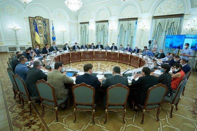 Почти все украинские реформы - красивые слова, прикрывающие истину