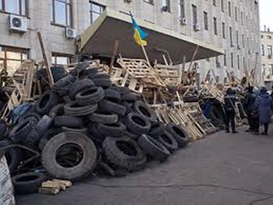 """Пане Бунечко, хто перетворює  облдержадміністрацію на """"Владимирский централ""""?"""