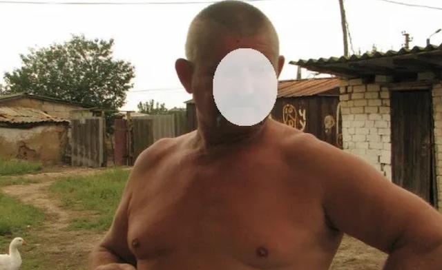 Изнасиловал мальчика ершиком для унитаза