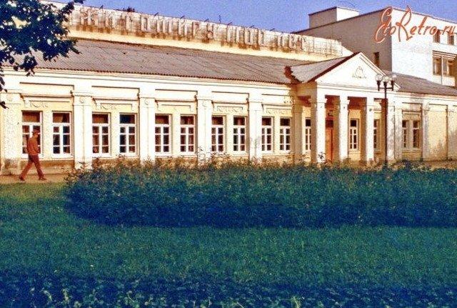 """Офіцерська їдальня, яка раніше була на місці ресторану """"Гайки"""" у Житомирі. ФОТО"""
