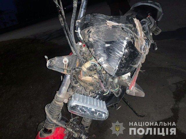 На Житомирщині через падіння мотоцикла травмувалася 19-річна пасажирка. ФОТО