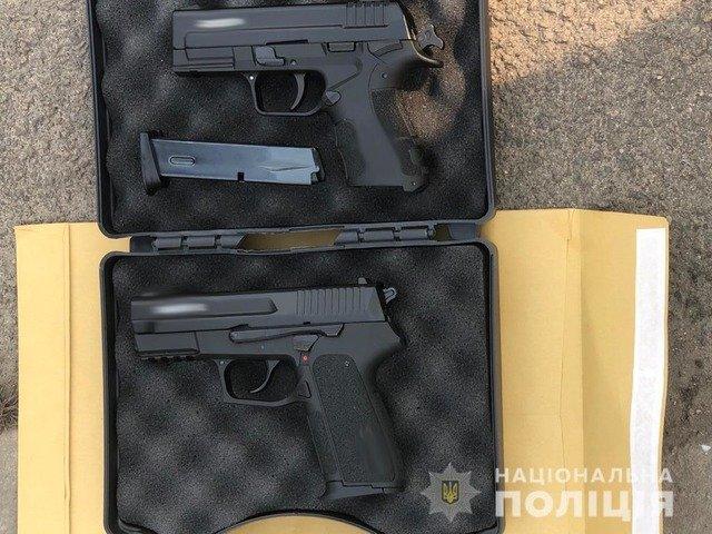 У Житомирі затримали чоловіка, якого підозрюють у узбі зброї. ФОТО