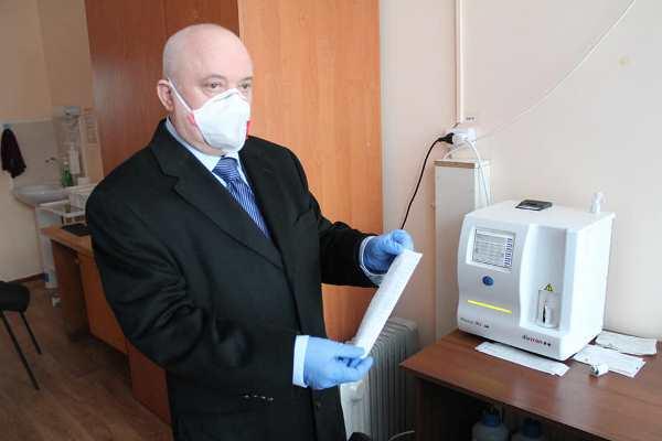 Віктор Развадовський передав лікарям Романова медичне обладнання та засоби захисту