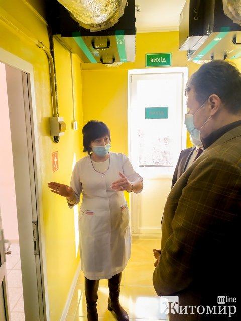 У Коростені відкрили нову лабораторію, де робитимуть тести на коронавірус. ФОТО