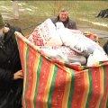 У Житомирі волонтерки передали в лікарню 36 пар в'язаних пінеток та 58 подушок. ВІДЕО