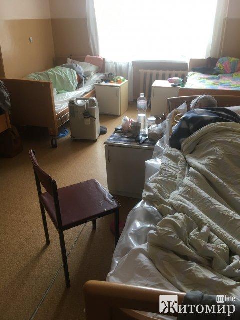 Бердичівлянка розповіла, як у лікарні на її чоловікові закінчився кисень і він помер