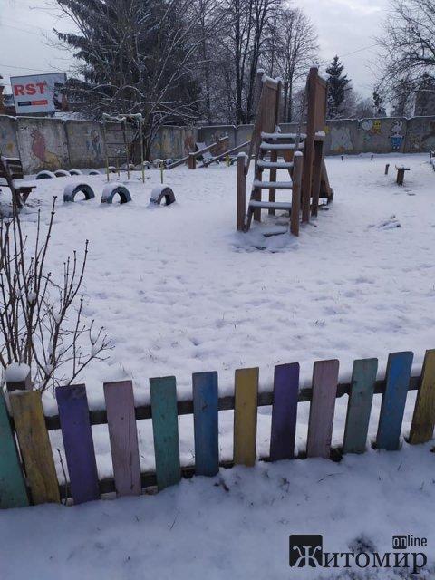 Житомир засипало снігом. ФОТО