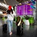 Маму з двома дітьми через СМС не пустили в Україну: ночували в аеропорту