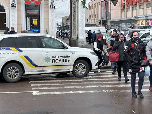 Інцидент з двома порушниками дорожнього руху на вулиці Небесної сотні у Житомирі. ФОТО