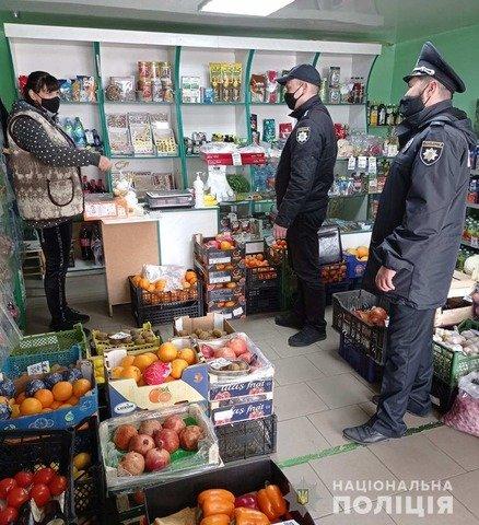 На Бердичівщині поліція перевіряла магазини та припинила 12 випадків публічного розпиття алкоголю. ФОТО