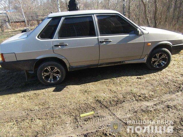 У Новоград-Волинську чоловік пограбував два автомобілі. ФОТО