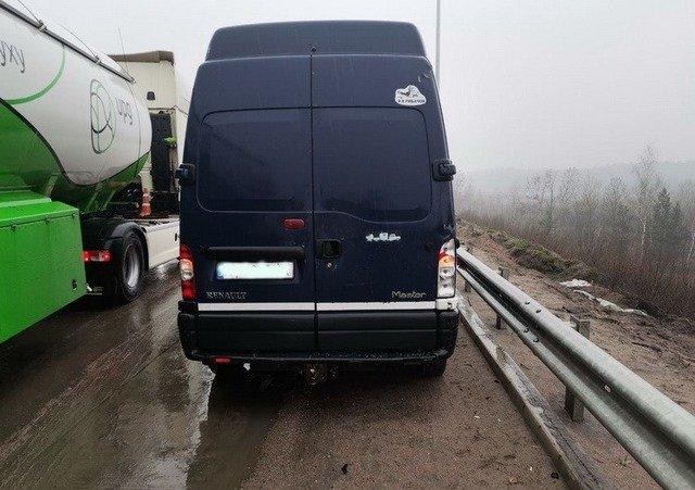 У Житомирському районі сталася подвійна ДТП за участі вантажівки. ФОТО