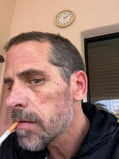 Наркотики, порно, оружие, шантаж отца. О чем Байден-младший промолчал в мемуарах - статья Daily Mail