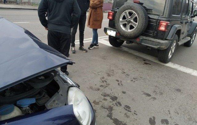 У Житомирі на Київському шосе сталася подвійна ДТП. ФОТО