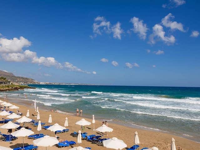 Греція скасує тижневий карантин для туристів: названо умову