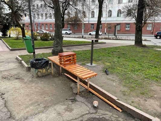 Житомиряни самостійно облагороджують місто. ФОТО