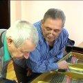 Професія настроювача струнно-клавішних музичних інструментів у Житомирі вимирає. ВІДЕО