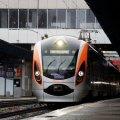 Укрзалізниця призначила додаткові поїзди на травневі свята у п'ять областей