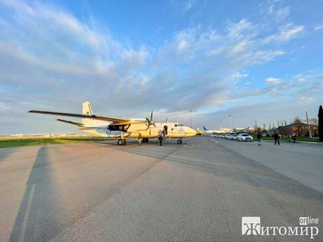 Нирку для порятунку хлопчика з Малинщини доставляли літаком Нацгвардії . ФОТО