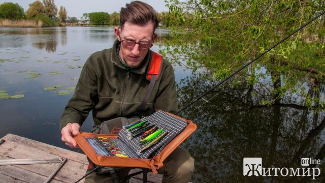 Житомирянин розповів про роботу дизайнера рибальських снастей. ФОТО