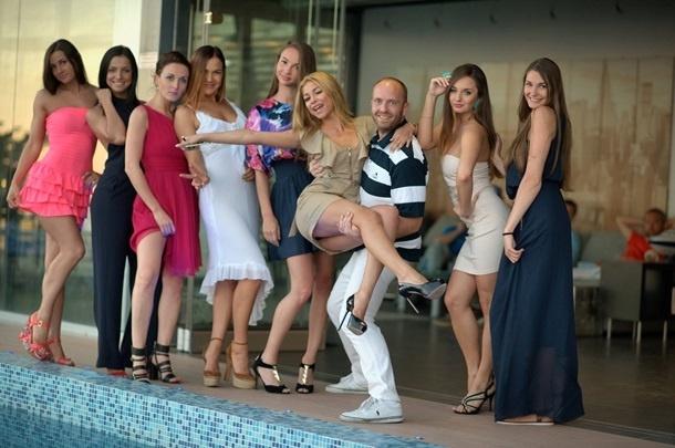 """Плейбой-организатор скандальной """"голой вечеринки"""" в Дубае: Я живу так, как хотели бы жить 90% мужчин"""