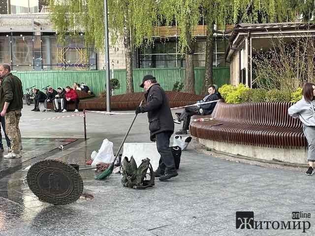 У Житомирі на Михайлівській підготували до запуску фонтан Віржініо Феданци. ФОТО