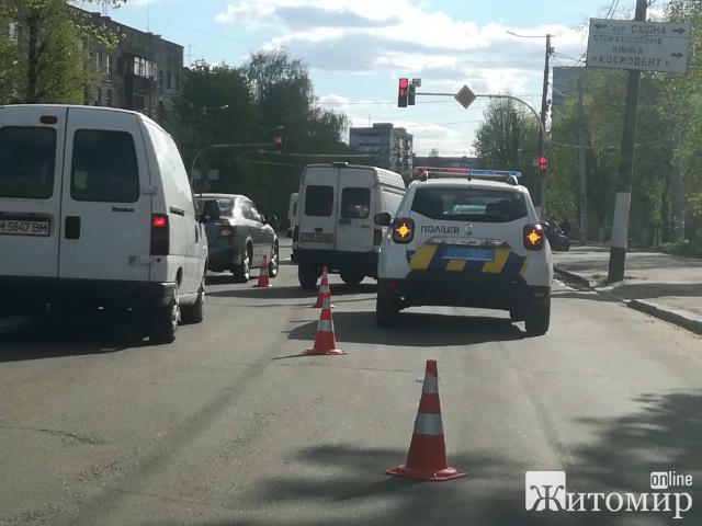 Знову ДТП на Грушевського-Східна у Житомирі! ФОТО.