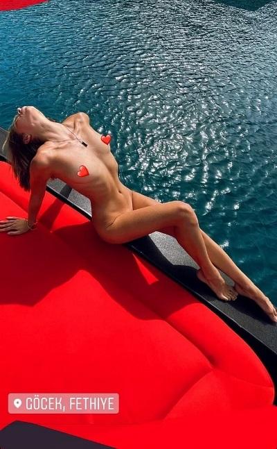 """Скандал с обнаженкой в Турции: одна из моделей ранее снималась для Playboy, а вторая участвовала в шоу """"Супермодель по-украински"""""""