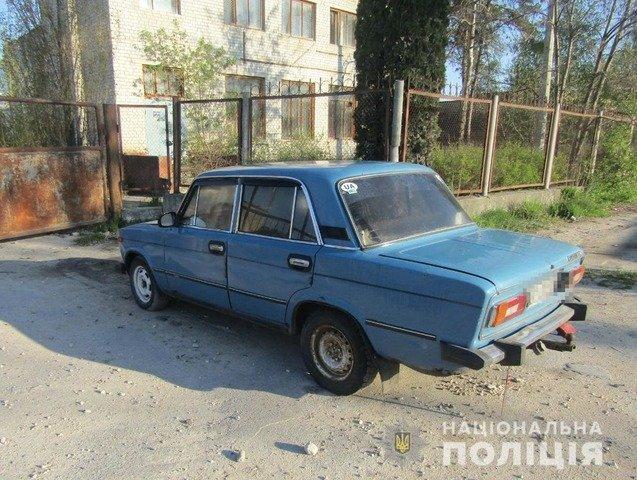 На Житомирщині молодика затримали за крадіжку, спробу угону та незаконне заволодіння автомобілем. ФОТО