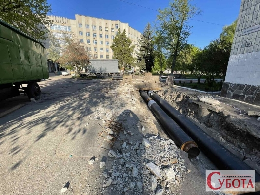 Під носом у Бунечка і Познякова на школярів ліцею №25 щодня чекає смертельна небезпека