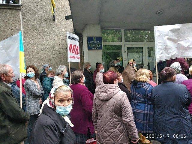 У Житомирському районі обкрадені Держгеокадастром селяни перекриють трасу Київ-Чоп