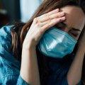 Втрата нюху і смаку все рідше зустрічаються у пацієнтів з COVID-19. Лікар розповів про нові симптоми