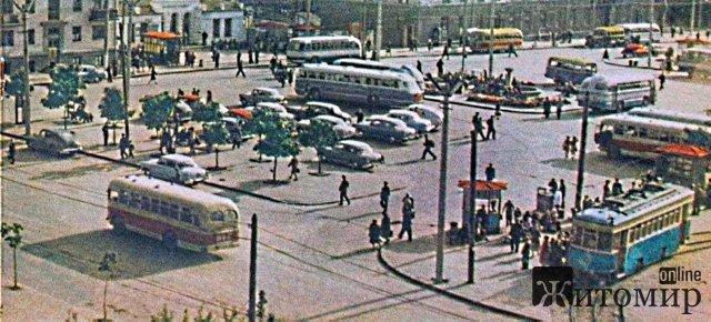 Фонтан та вокзал - яким у минулому столітті був центр Житомира. ФОТО