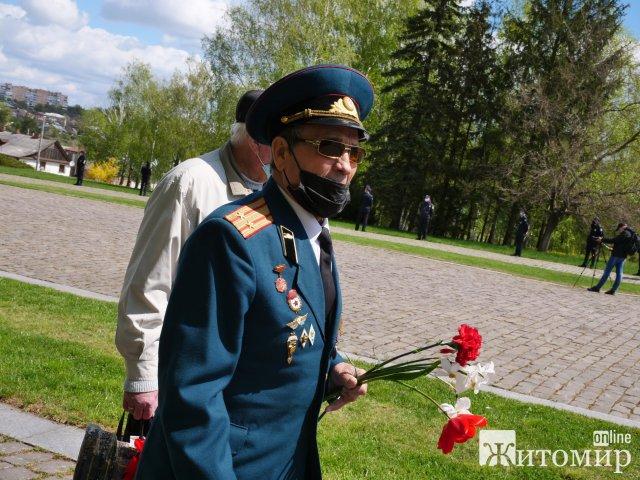 Житомир відзначає 76-ту річницю перемоги над нацизмом у Другій світовій війні. ФОТО