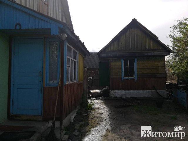У Лугинах вогнеборці врятували приватне домоволодіння від повного знищення вогнем. ФОТО