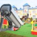 У скількох школах Житомира є камери відеоспостереження, охоронники та «тривожна» кнопка