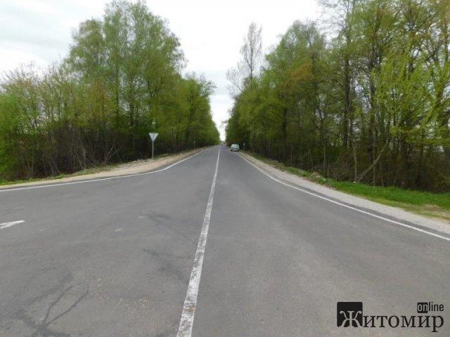 У Бердичівському районі завершують капремонт дороги. ФОТО