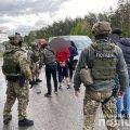 На трасі Київ-Житомир правоохоронці затримали банду, яка займалась розбоєм, вимаганням та катуванням. ФОТО. ВІДЕО