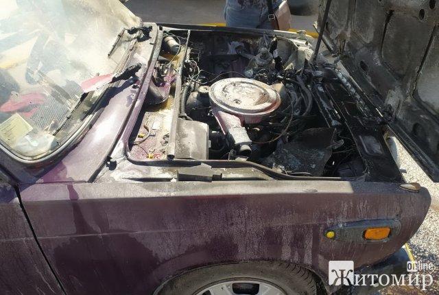 За добу на Житомирщині рятувальники гасили займання двох автомобілів. ФОТО