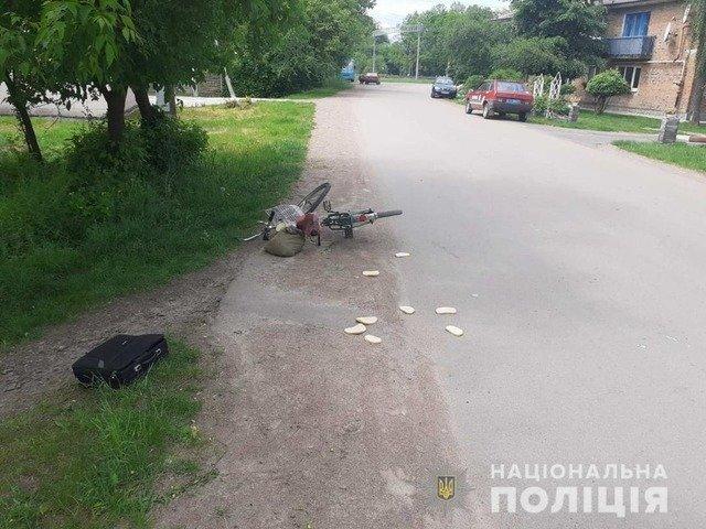 """У Коростені 77-річний водій """"ЗАЗ"""" збив велосипедистку. ФОТО"""