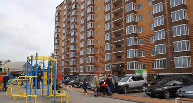 У Житомирі мешканців багатоповерхівки позбавляють базових комунальних послуг
