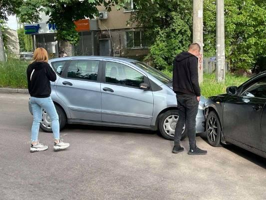На перехресті Шевченка та Фещенка-Чопівського у Житомирі - аварія. ФОТО