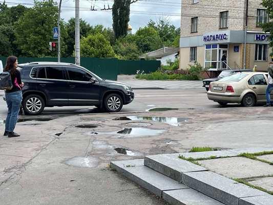 У Житомирі на перехресті  Київської та Театральної знову аварія. ФОТО