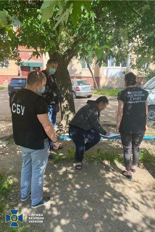 """В Україні викрили схему легалізації """"гастарбайтерів"""""""