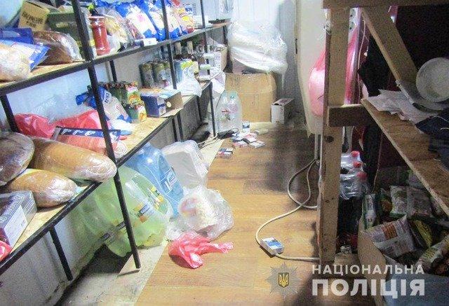 На Житомирщині троє селян вночі пограбували магазин та автомобіль. ФОТО
