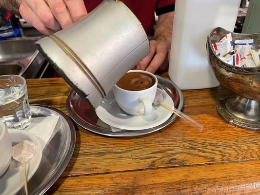 Житомиряни продовжують мандрувати кав'ярнями Стамбула - цього разу в Азії. ФОТО