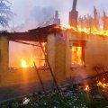 У будинку на Житомирщині під час гасіння пожежі рятувальники виявили тіло чоловіка. ФОТО