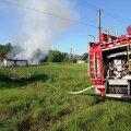 У селі Житомирського району вогонь знищив дім та господарську будівлю. ФОТО