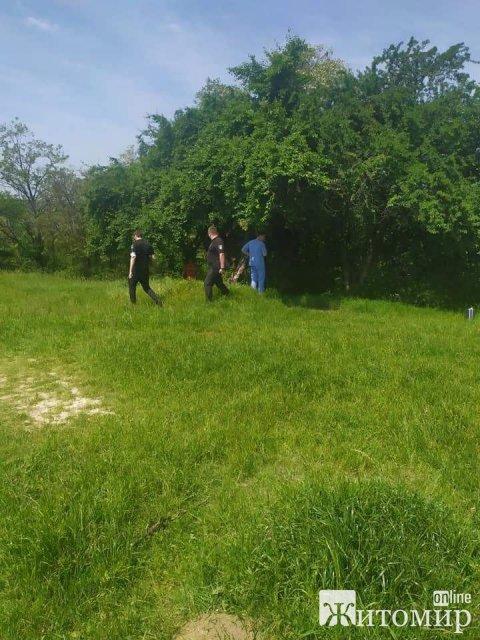 В микрорайоне Маликова в Житомире нашли тело мужчины. ФОТО