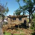 Селяни спільно з рятувальниками гасили займання в дерев'яному будинку на Житомирщині. ФОТО